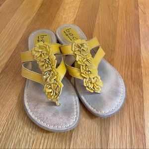 Yellow leather BOC thong sandals, size 7